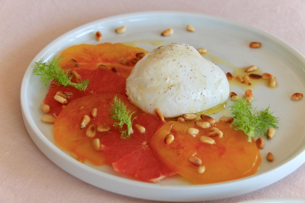 Salade Burrata, Tomate et Pamplemousse